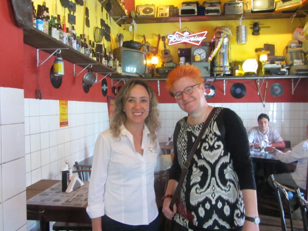 Yhteistyötä Brasilian Curitibassa: Rafaela Rolim ja Jaana Mutanen.